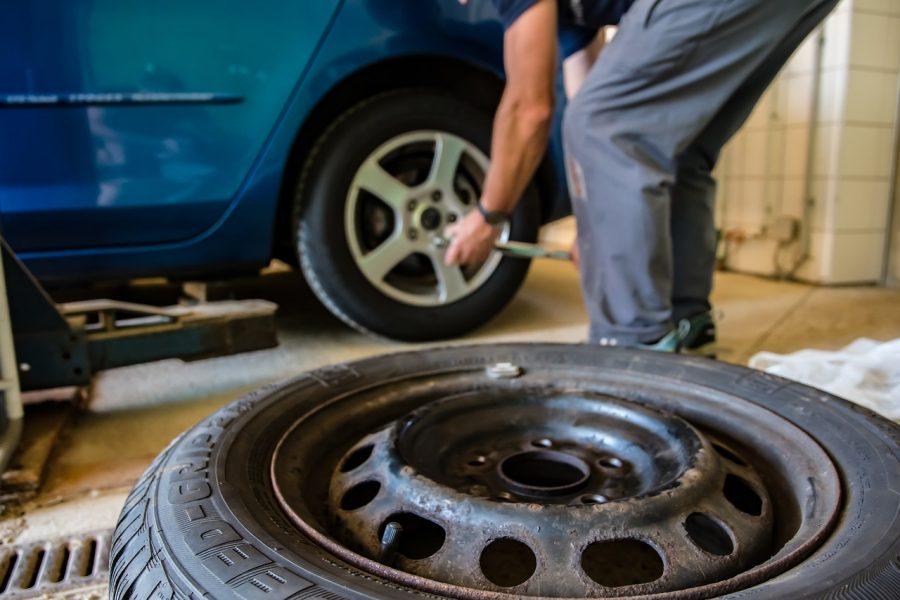 cuando-cambiar-neumáticos-del-coche-1