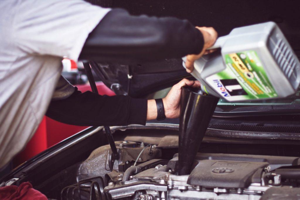 Cada-cuanto-debo-cambiar-el-aceite-del-motor-3